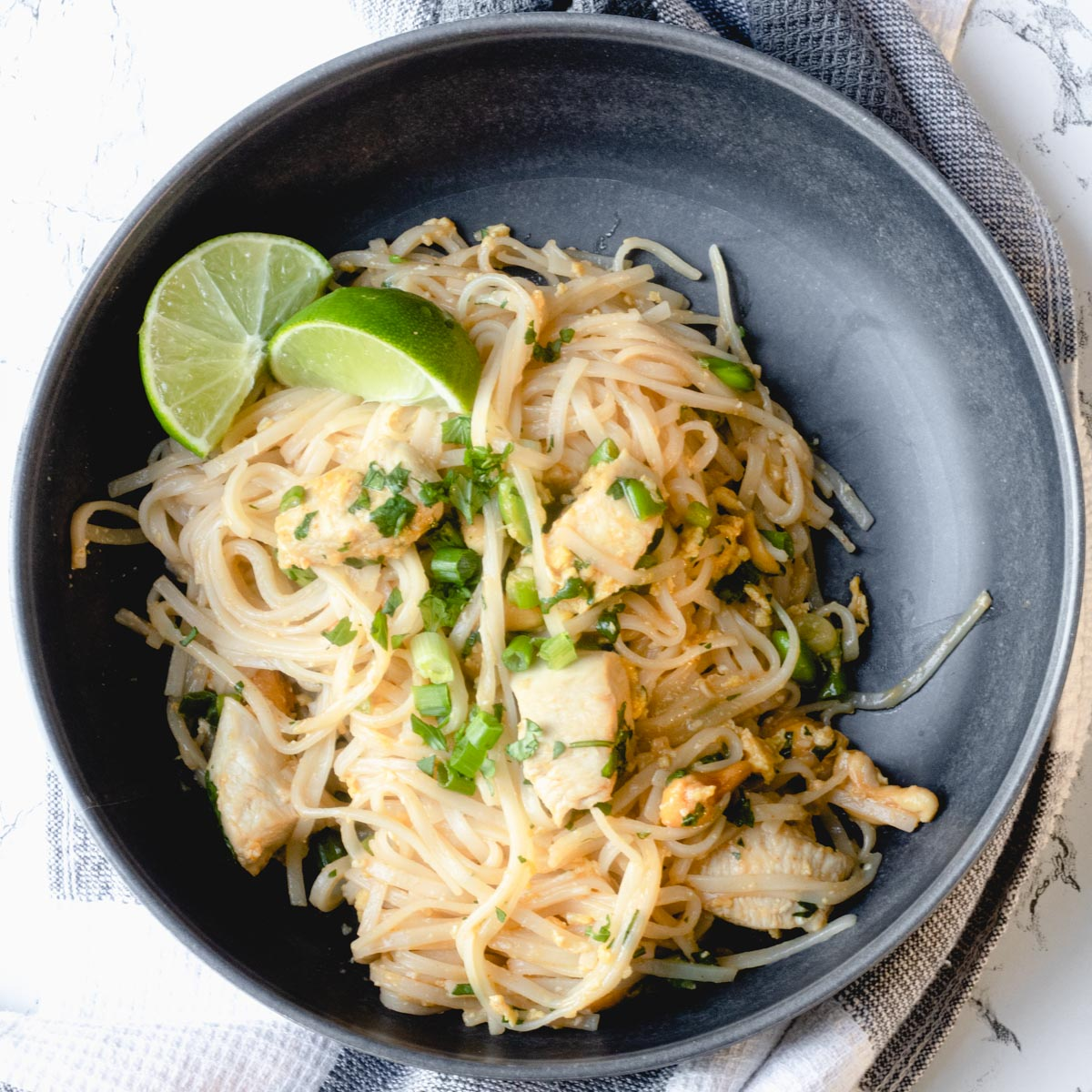 easy menu plan: bowl of pad thai